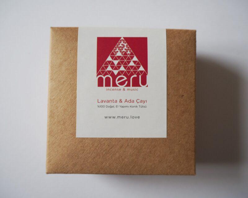 IMG 4 scaled - Meru Incense Doğal ve El Yapımı Lavanta & Ada Çayı Tütsü